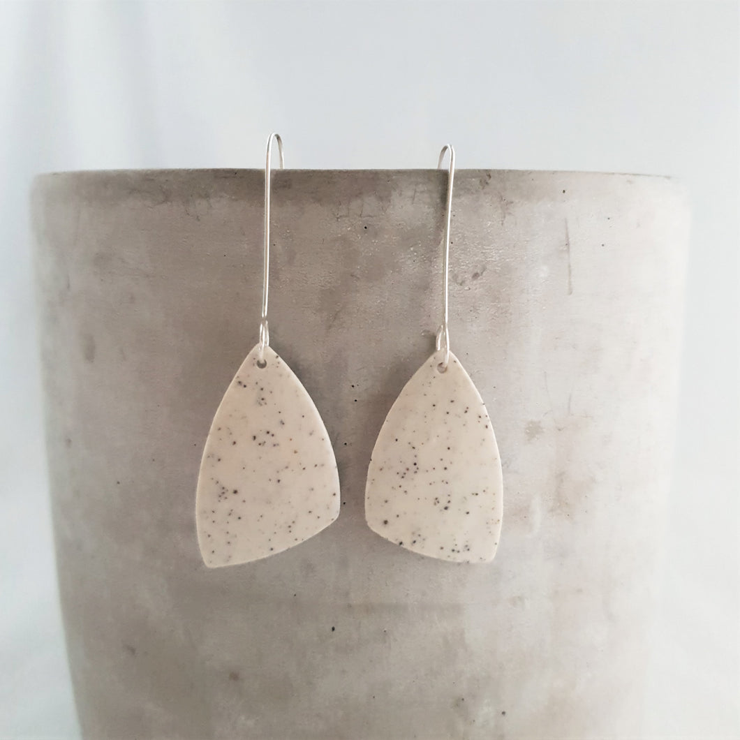 speckled clay | asymmetrical triangle