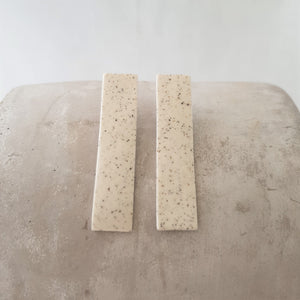 speckled clay | long column | studs
