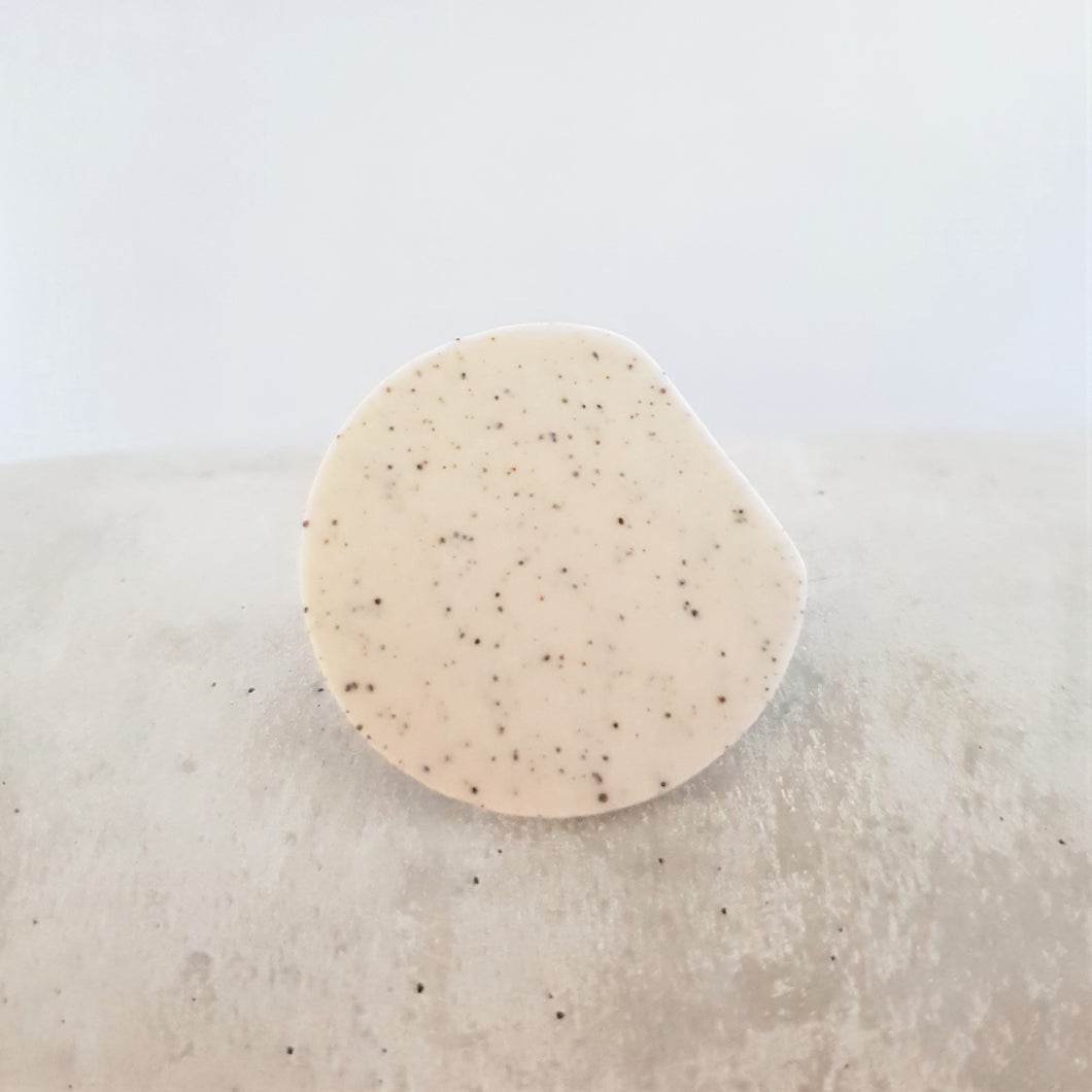 speckled | edged circle | brooch