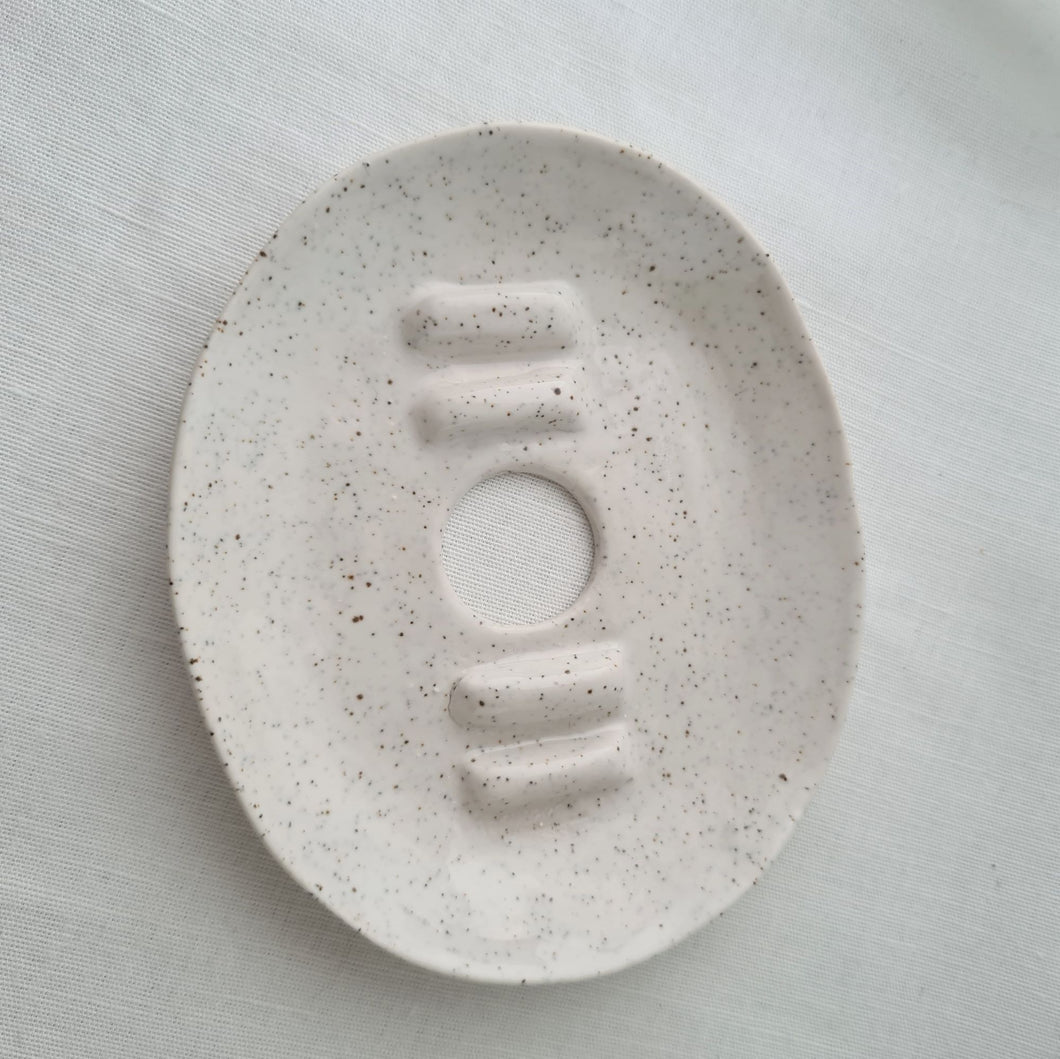 speckled stoneware [H] | salt white | soap dish