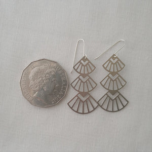 stacked fans | simple silver | earrings