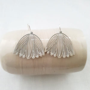 waratah | simple silver | earrings