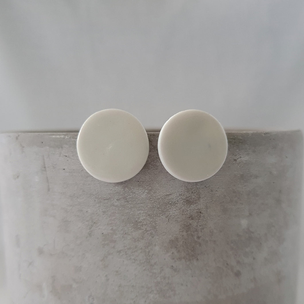 salt white | medium circle studs