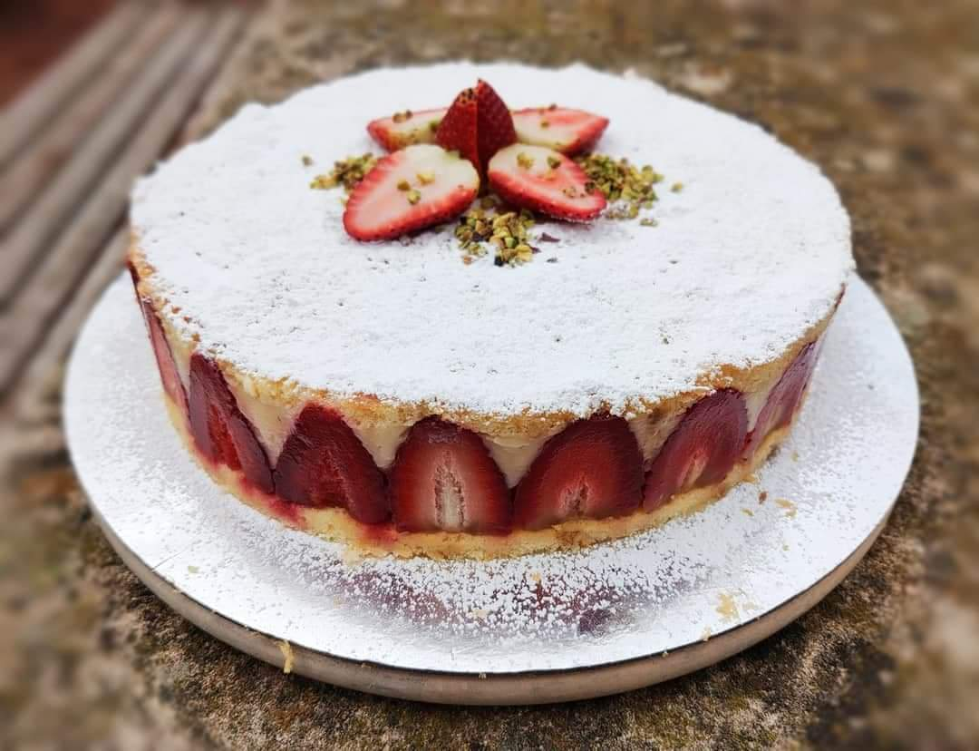 Fraisier (whole)