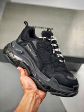 Load image into Gallery viewer, Triple S -  Triple Black Clear Sole