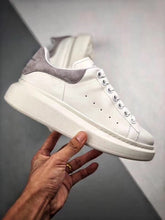 Load image into Gallery viewer, Oversized Sneaker - White Grey