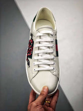 Load image into Gallery viewer, Bea Snake White leather trainers - White