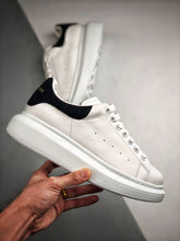 Load image into Gallery viewer, Oversized Sneaker - White Black