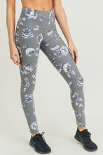 Load image into Gallery viewer, Grey Roses Leggings