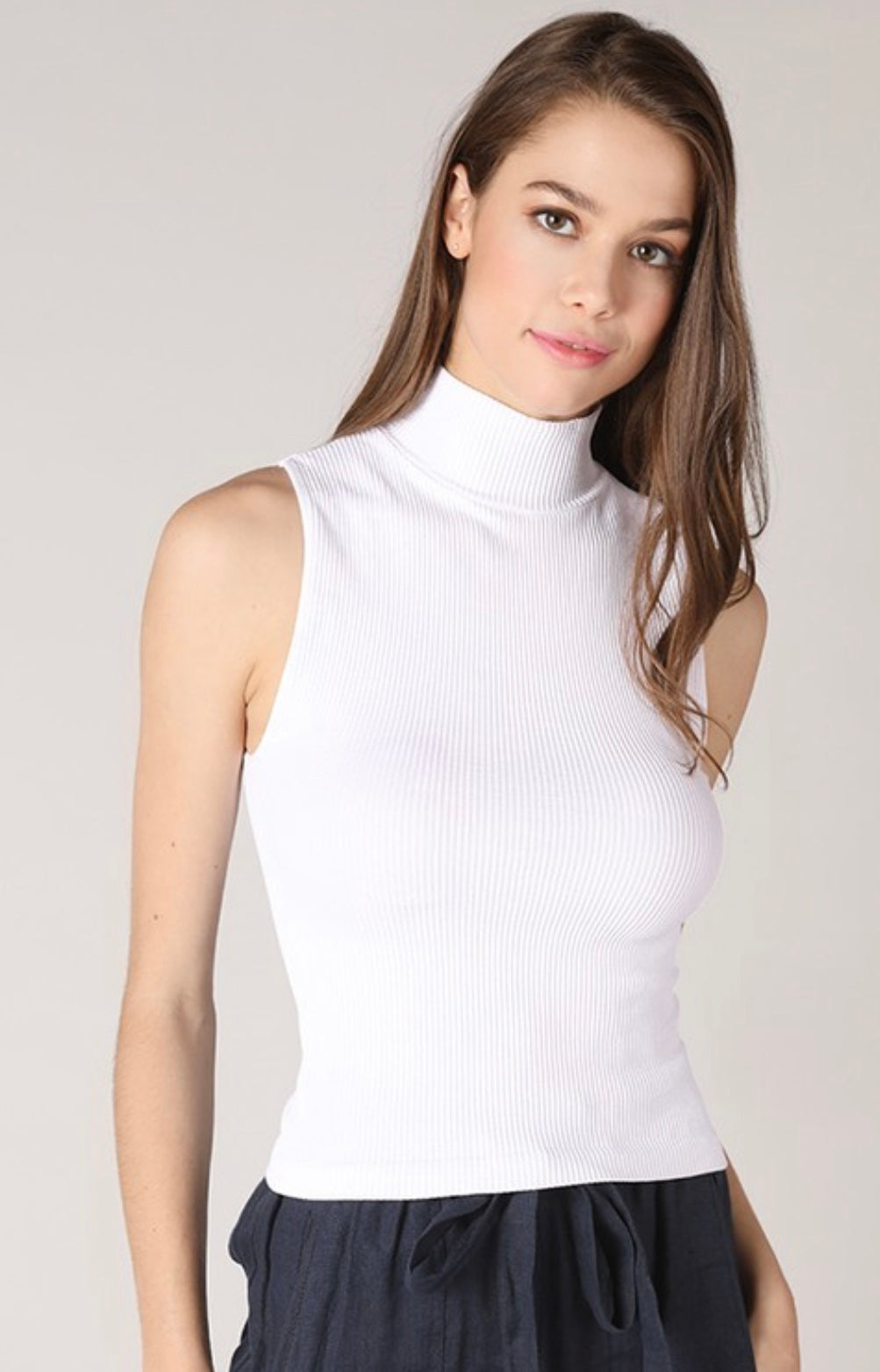 Sleeveless ribbed turtleneck (Two colors)