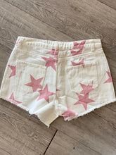 Load image into Gallery viewer, Jean shorts  - Red star denim