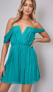 Off the Shoulder pleated Dress