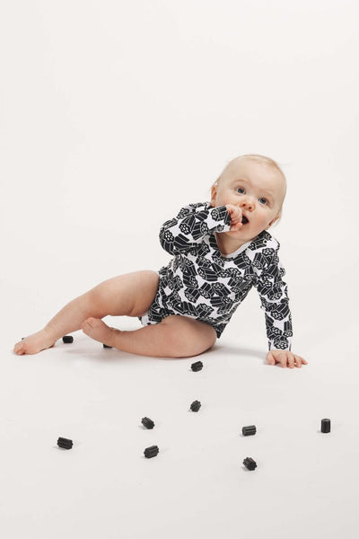 Pikkuset Licorice Onesie - Nordic Labels