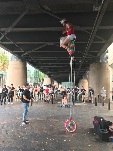 A family day out in Sydney for under $100 street performer