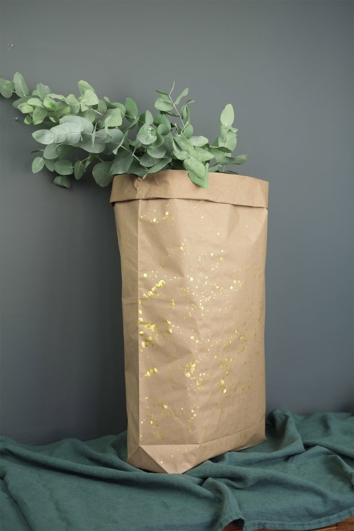 LARGE GOLD SPLASH BROWN PAPER BAG, CHRISTMAS SACK, 70CM