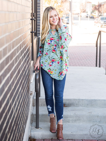 Floral Perfection in Mint Top