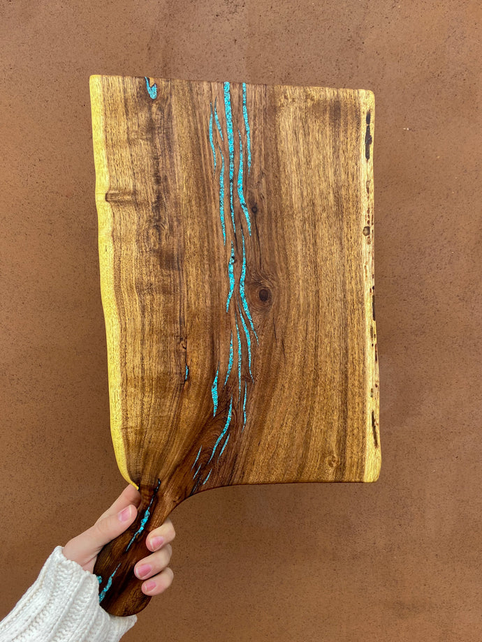 Mesquite cutting board with handle
