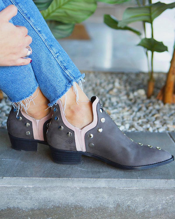 Women's Fashionable Pointed Toe Hollow Ankle Boots