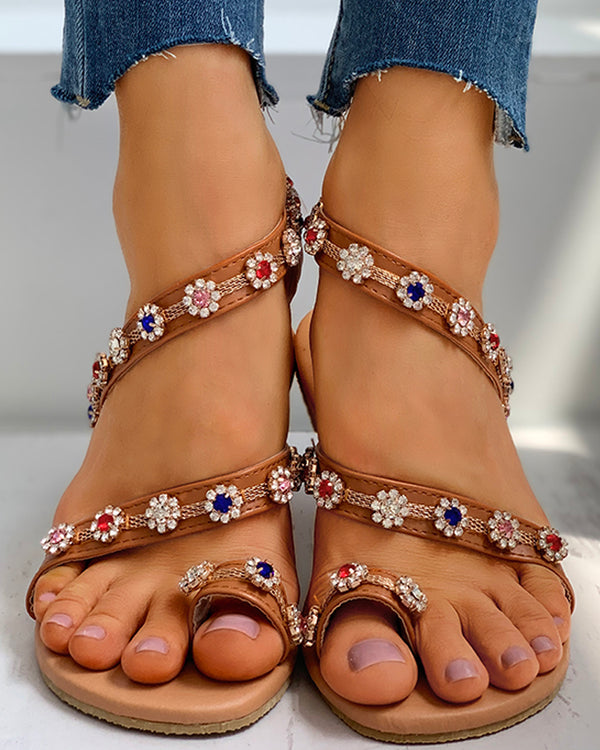Floral Pattern Studded Toe Ring Flat Sandals