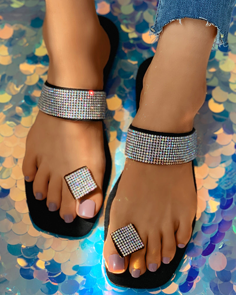 Studded Toe Post Casual Flat Sandals