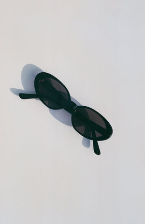 The Poet Sunglasses / Black