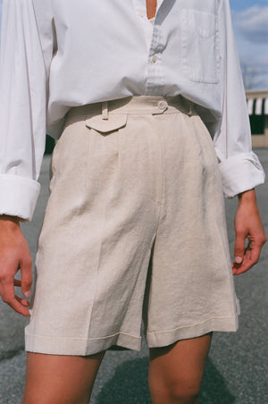 Amomento Mini Pocket Shorts / Available in Beige
