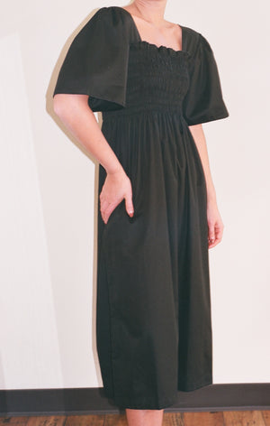 Lisa Says Gah Toni Midi Dress / Available in Black and Ivory