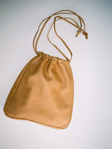 Are Studio Cortina Drawstring Bag / Tan