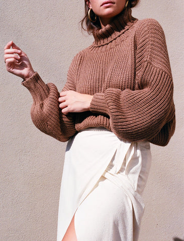 First Rite Crop Turtleneck Sweater / Camel