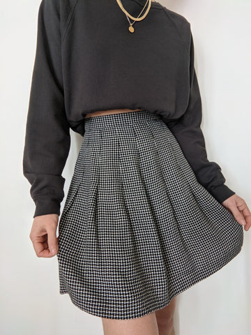 Vintage Black & Ivory Pleated Skirt