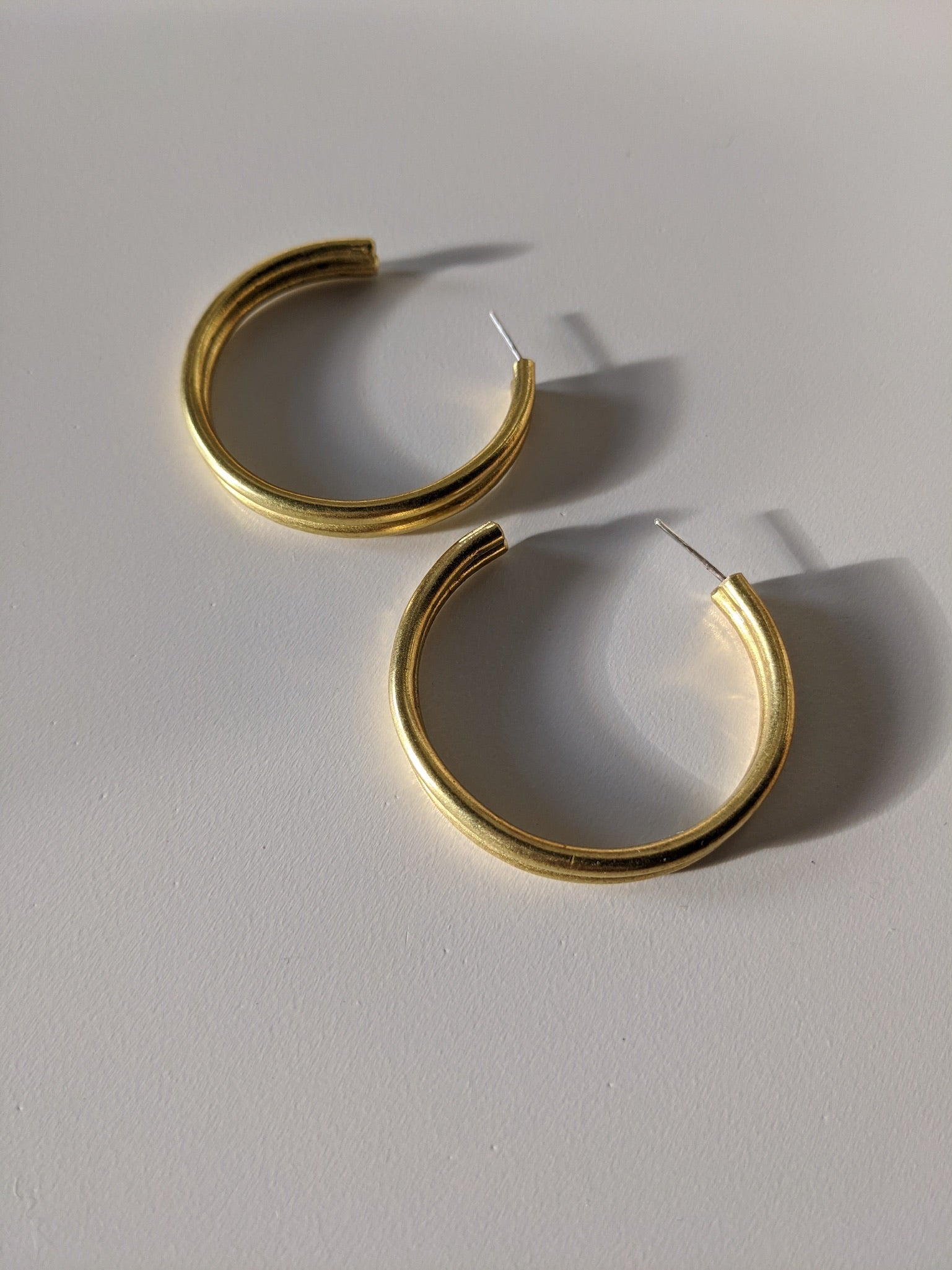 Mahnal Wahada Sumo Hoop Earrings