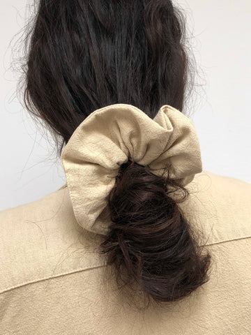 Na Nin Textured Cotton Scrunchie / Available in Faded Black & Sand