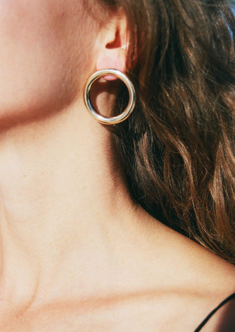 Common Muse Lia Circle Earrings / Available in Gold & Silver