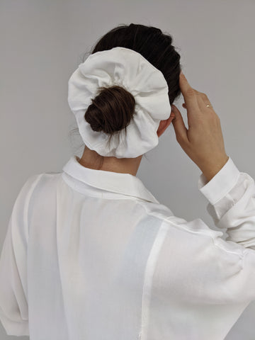 Na Nin Rayon Twill Scrunchie / Available in White & Black