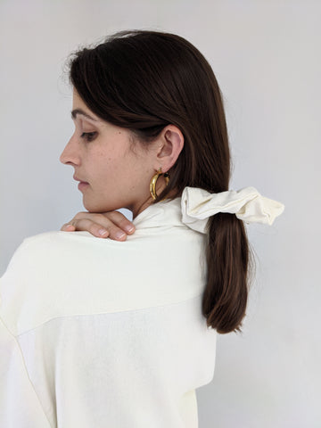 Na Nin Raw Silk Scrunchie / Available in Cream & Black