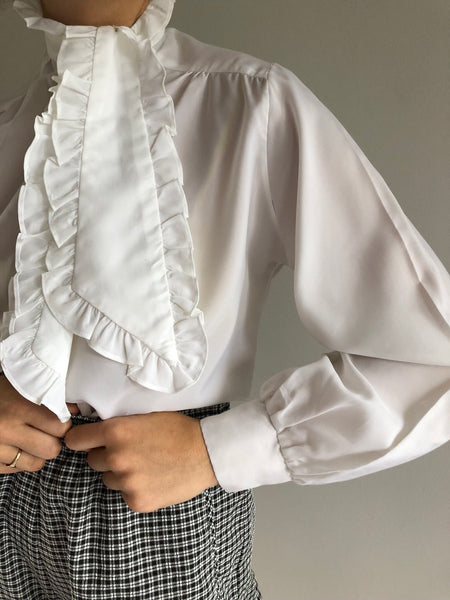 Vintage Ruffled Tie Top / Vintage High Waisted Patterned Easy Short