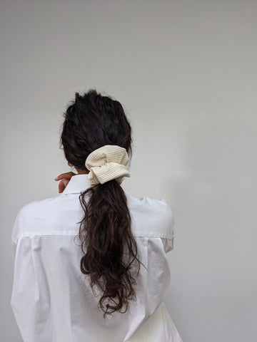 Na Nin Rippled Cotton Scrunchie / Available in Cream