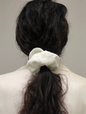 Na Nin Waffled Cotton Scrunchie / Available in White & Faded Black