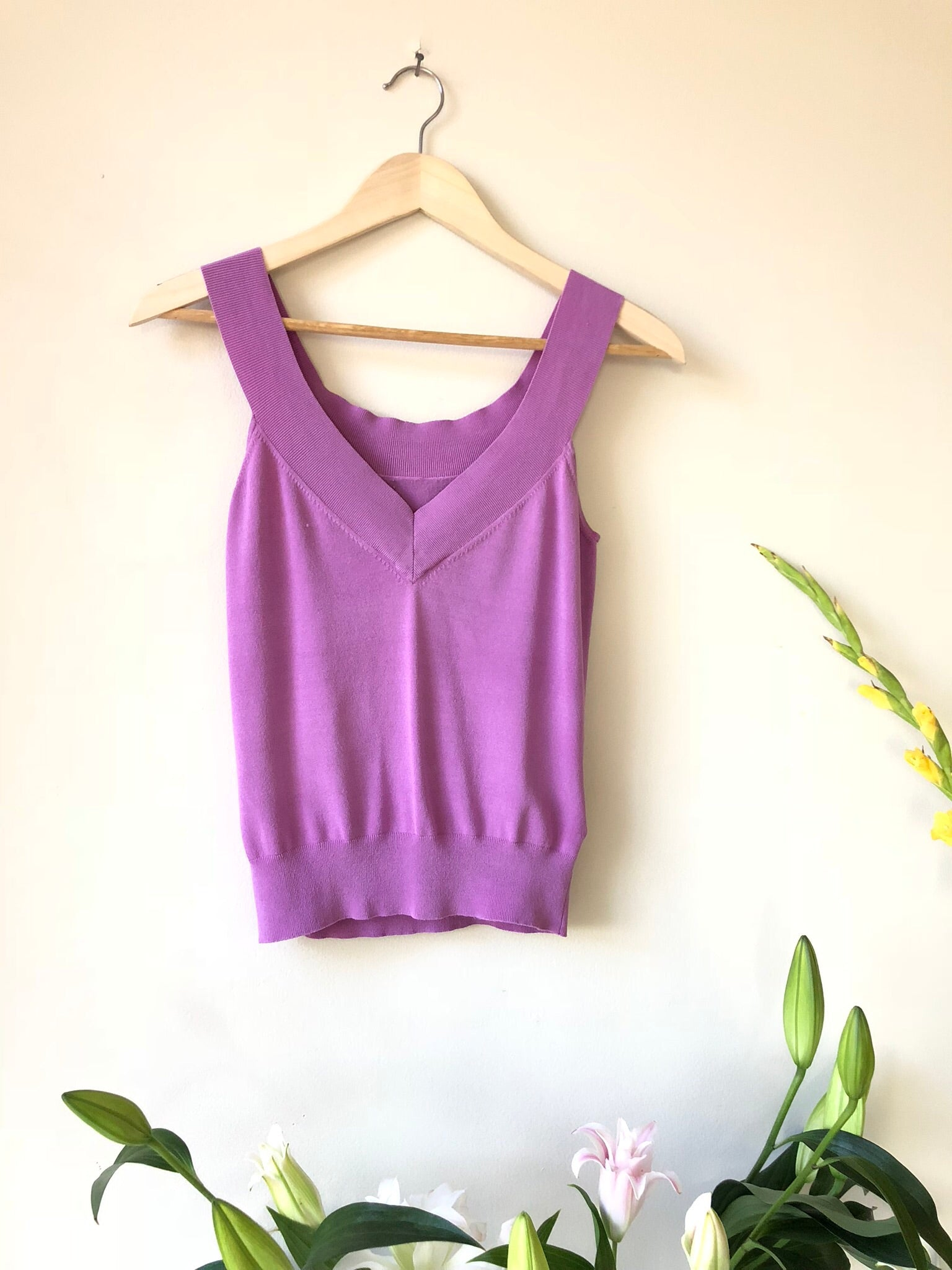 V-neck Purple Sleeveless Top
