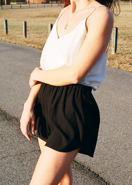Ozma Litta Short / Silk Noil / Available in Black and Natural