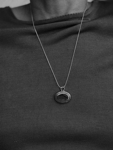 Na Nin Layered Oval Pendant Necklace