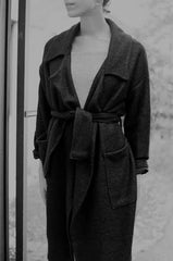 HACKWITH DESIGN HOUSE MIDI SWEATER COAT / BLACK