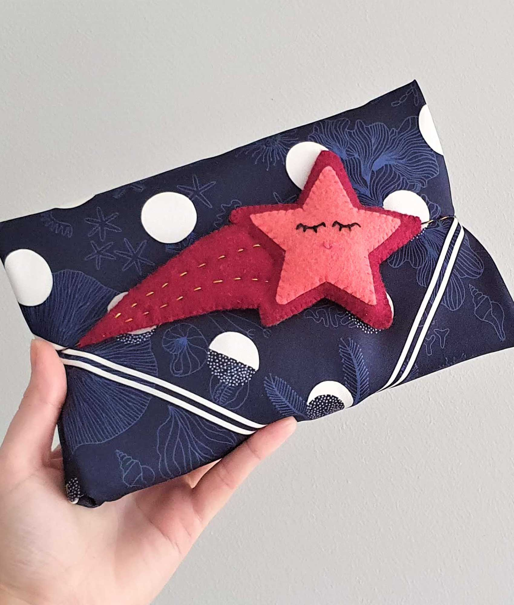 DIY a felt shooting star