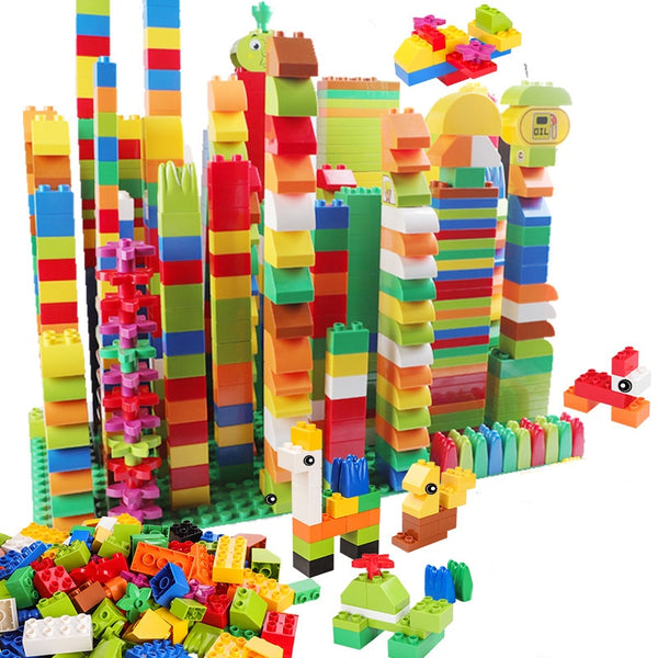 Building Blocks With Figure Accessories Compatible with Lego / Duplo