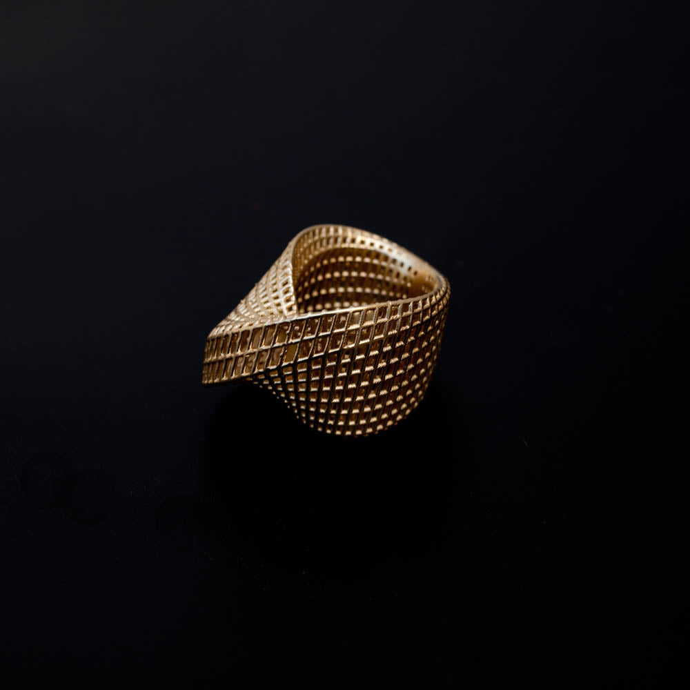 14K - Mobius #1 Contemporary Ring