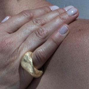 18k Gold Pinkie Contemporary Ring