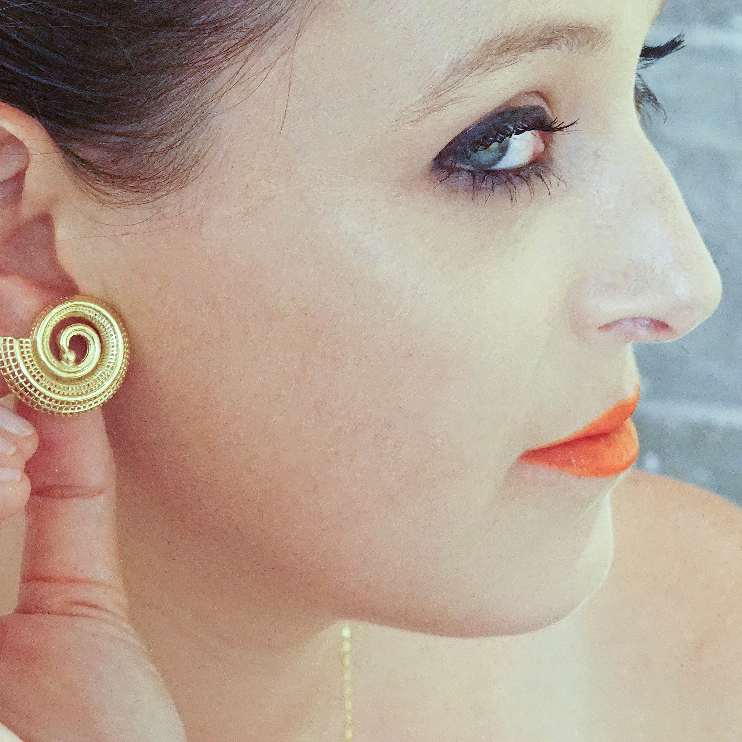 18k yellow gold  - Small Spiral  Earrings