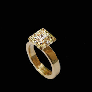 18 Karat Gold Large SQUARE Diamond solitaire Ring