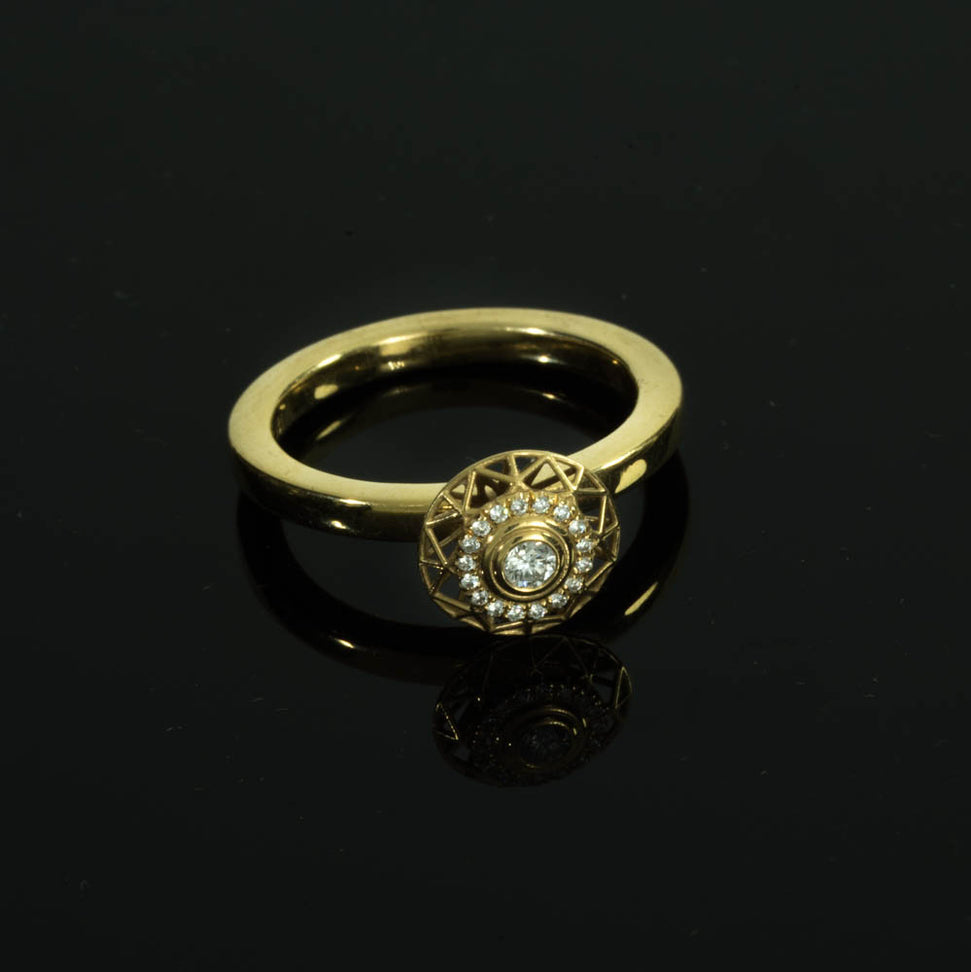 18K Diamond Shape #1