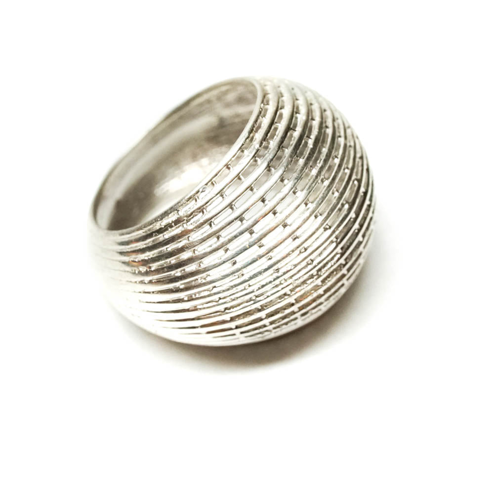 14k white gold net ring in classic Bombe structure.